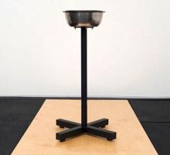 Чаша на стойке для магнезии